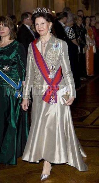 queen-silvia-sweden-02.jpg