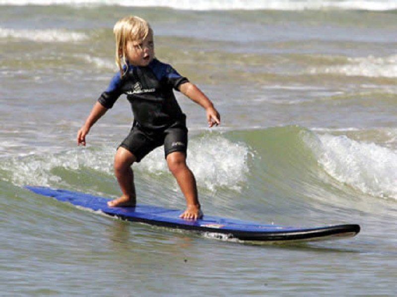 http://www.lolwot.com/10-of-the-youngest-kids-to-achieve-incredible-things/5/