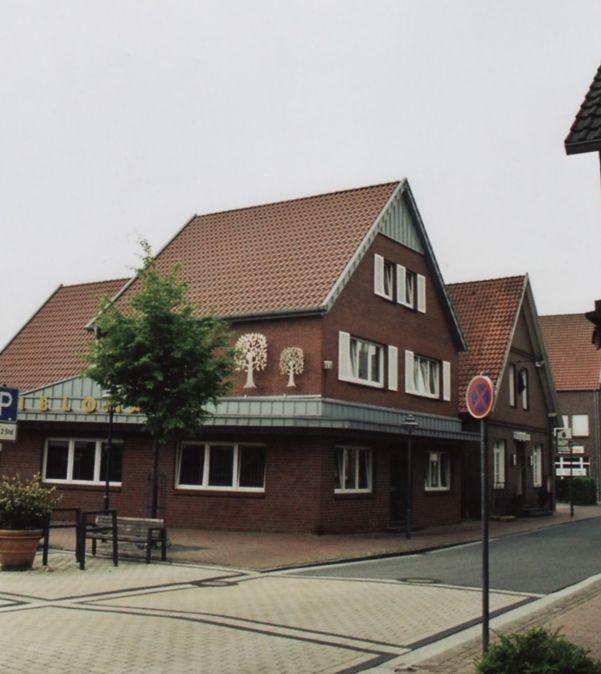 -52- Einmündung Clemens-August-Straße, heute Spielothek, früher Wehebrink, Aufnahme 2011