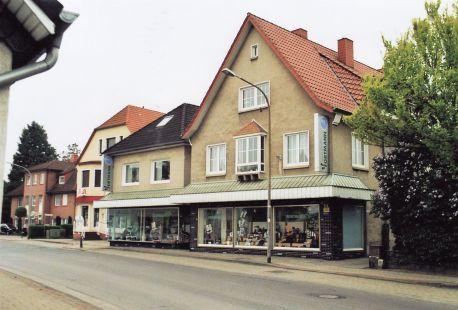 -50- Schuhhaus Fortmann 2009, links daneben Apotheke Wansora, dann Heitmann