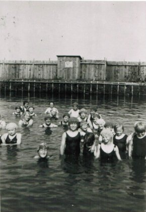 angeblich alte Badeanstalt Hörst