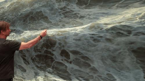 Ran Ortner's large-scale, photorealistic paintings of ocean waves