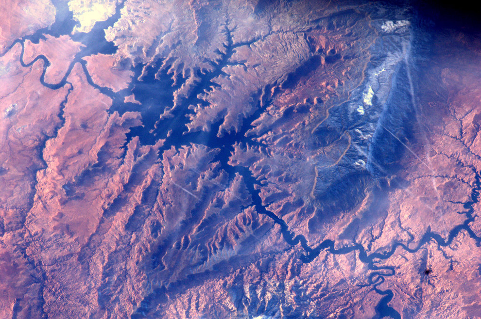 Astronaut Andre Kuipers Shares Stunning Images of Earth from Space