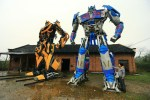Father and son build Transformers models together, make a million RMB yearly