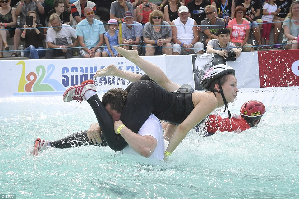 Wife Carrying1