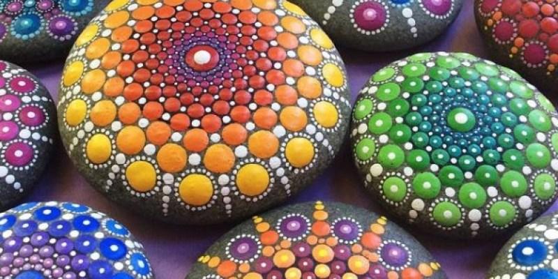 Stone Art Mandala – Elspeth Mclean Canada 7