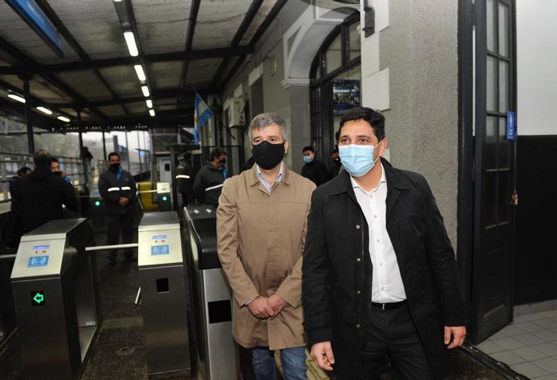Juan Zabaleta y el presidente de Trenes Argentinos Martín Marinucci supervisaron las nuevas cámaras termográficas en la estación de Hurlingham