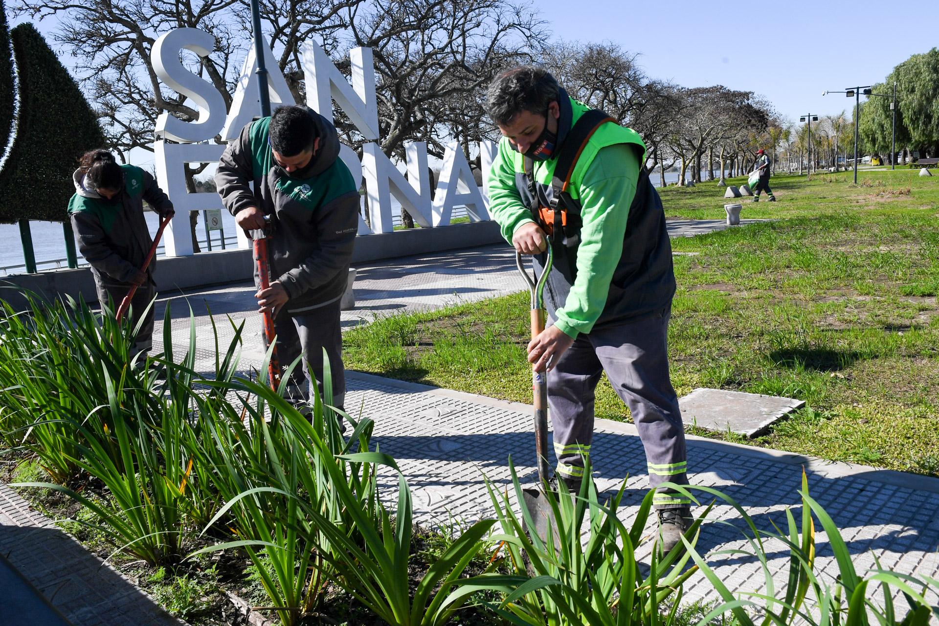 San Fernando mantiene y embellece la Costanera Municipal