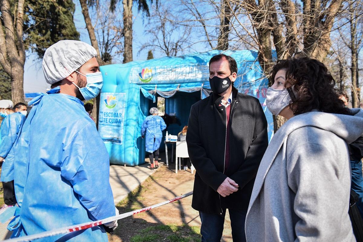 Ariel Sujarchuk recibió a Carla Vizzotti en Escobar, coordinando políticas para combatir al coronavirus en  el distrito