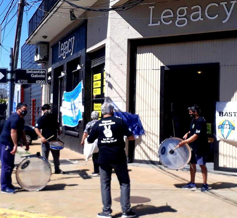 Los Trabajadores de Legacy continúan de paro y con medidas de protesta por el pago de Salarios adeudados
