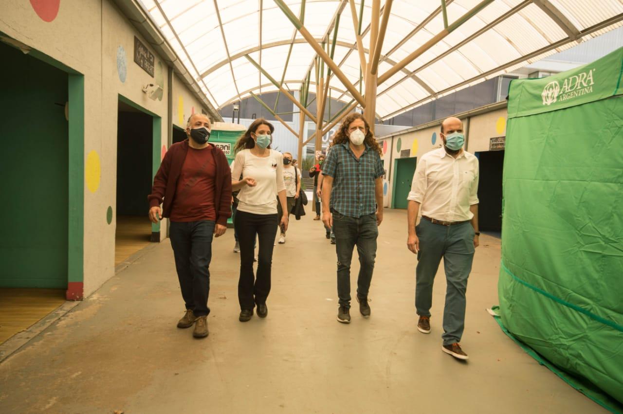 Isasi y Alessandrini recorrieron junto a Braiza el centro sanitario de Tecnópolis