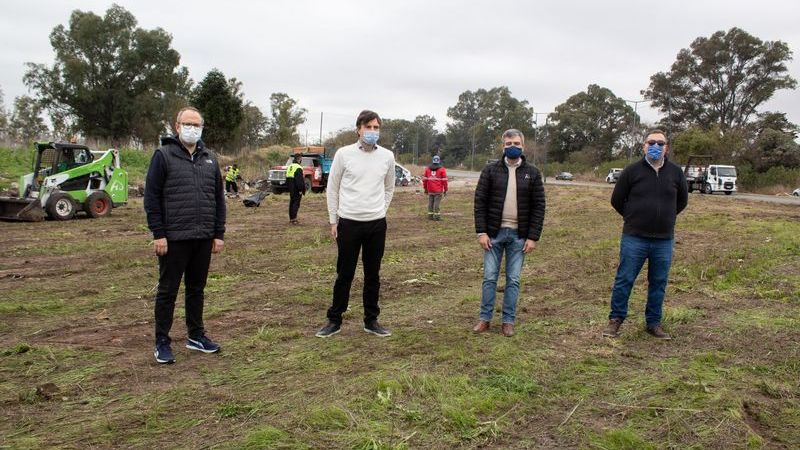 Zabaleta, Ghi y Valenzuela supervisaron un operativo conjunto de limpieza en el límite entre Hurlingham, Morón y Tres de Febrero