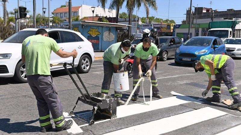 San Fernando avanza con trabajos de pintura vial en las principales avenidas