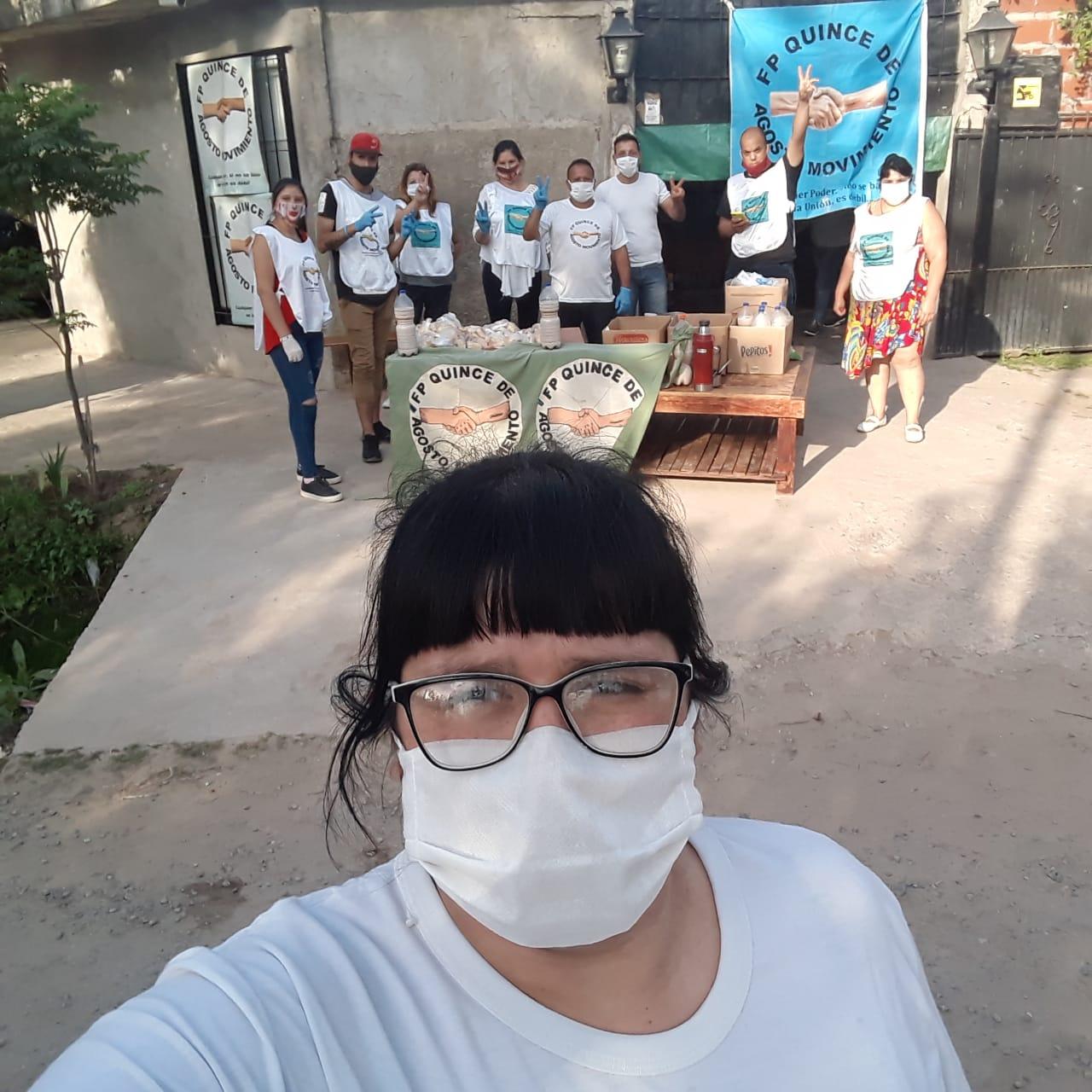 Merienda de amor en el barrio Luchetti de Escobar