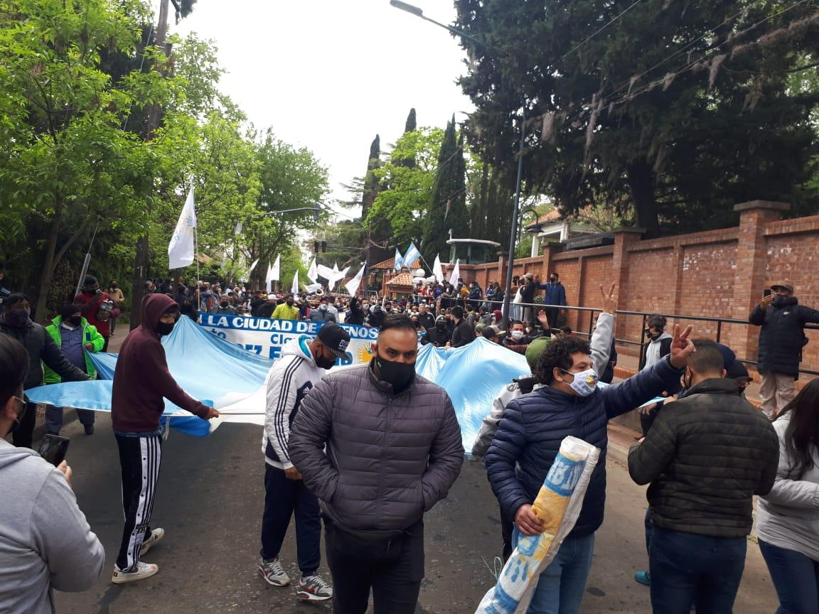 Agrupaciones políticas manifestaron su apoyo al Presidente Alberto Fernández y al gobierno nacional en Olivos.