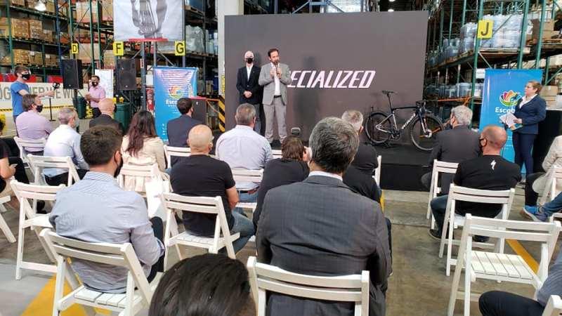 Sujarchuk participó de la inauguración de la empresa de Bicicletas SPECIALIZED en Garín