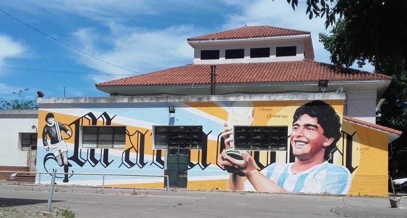 La Provincia rinde homenaje a Diego Maradona en el Hospital que lo vio Nacer