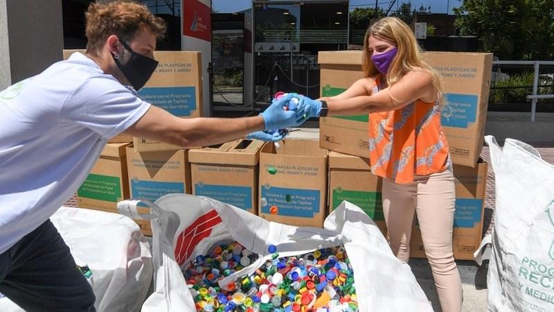 San Fernando ya recicló 400 kilos de papel y tapitas de plástico junto con el Hospital Garrahan