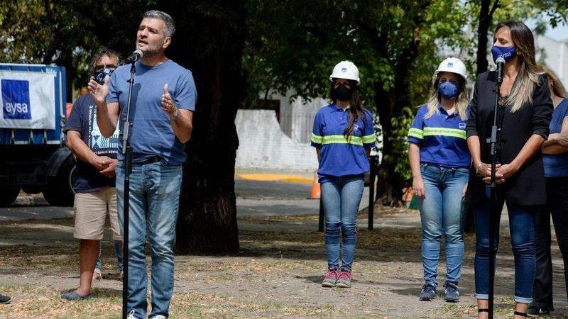 Alberto Fernández inauguró junto a Zabaleta y Galmarini una obra de cloacas en Hurlingham mediante una videoconferencia