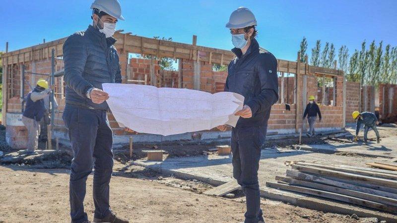 Juan Andreotti visitó la obra del nuevo Centro de Servicios y Espacios Públicos