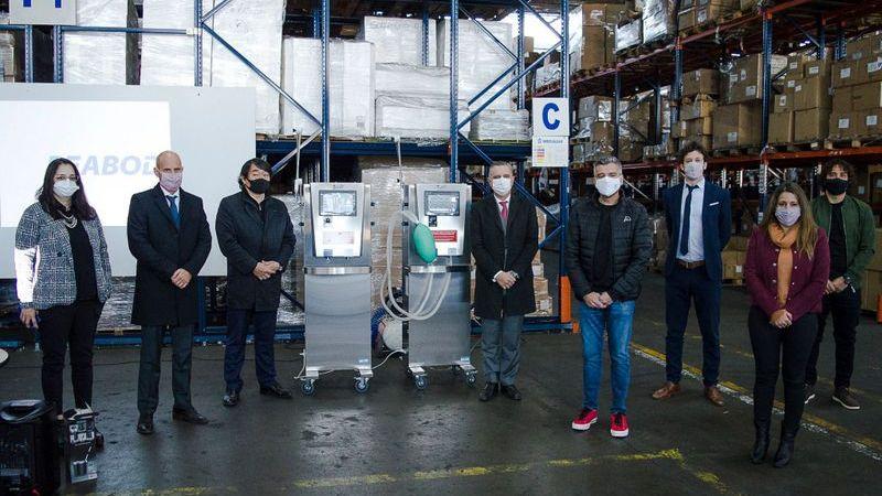 Zabaleta, Schalle y Merediz entregaron al Hospital de Hurlingham una donación de respiradores de la empresa Peabody y del Ministerio de Producción