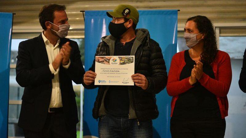 La Municipalidad de Escobar entregó 27 kits para proyectos del programa Escobar Emprende