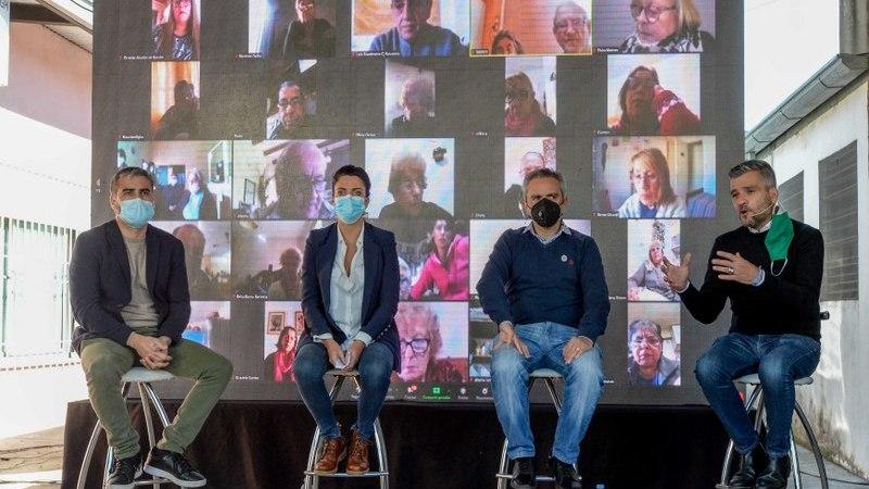 Zabaleta, Larroque, Volnovich y Rodríguez, participaron de la firma de un convenio para refaccionar los centros de jubilados de la provincia