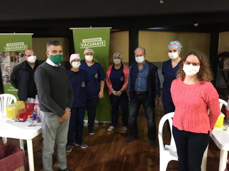 Zabaleta recorrió uno de los vacunatorios de Hurlingham junto al secretario General de UPCN Andrés Rodríguez