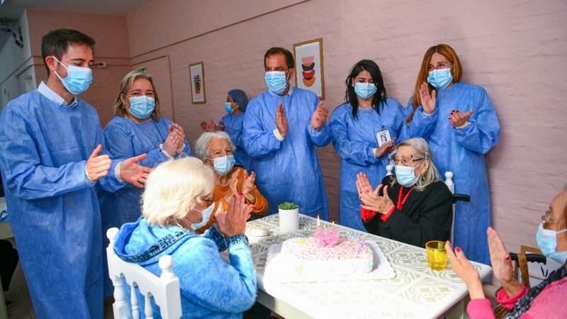Ariel Sujarchuk supervisó las nuevas obras de refacción y celebró el 48º aniversario del Hogar de Ancianas Eva Perón