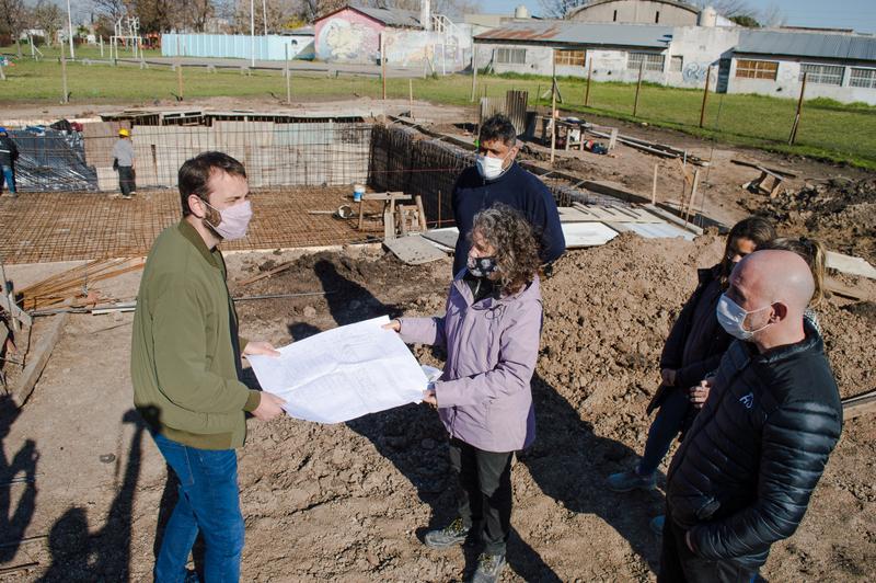 Damián Selci recorrió la obra del nuevo Polideportivo que se construye en Villa Tesei