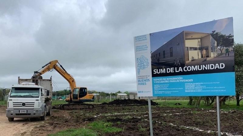 Comenzó la construcción del SUM Comunitario en Arroyo de la Cruz