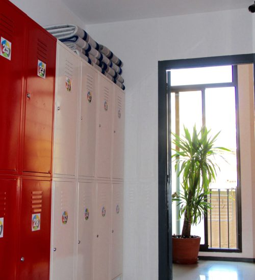 safe secure hostel lockers