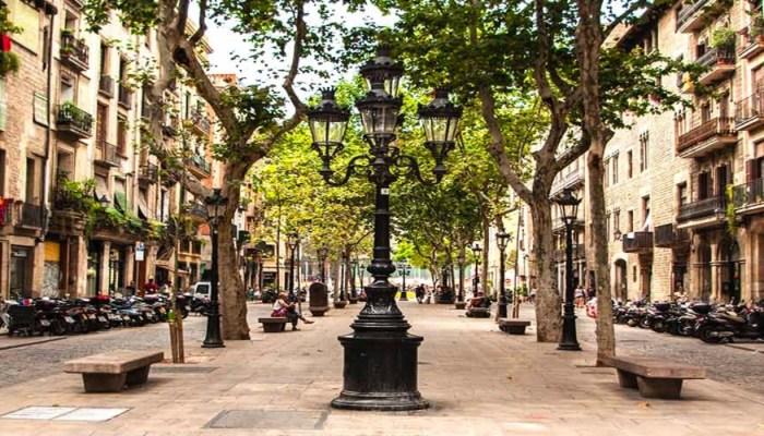 street in el born barcelona