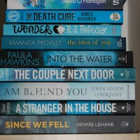 #day39 of #abookaday -- Blue Books: Question: Which house do you belong in? I'm a #Ravenclaw! I love blue books! (but I also love pink, green, red, white, erm, all!) Here's a #blue #bookstack!