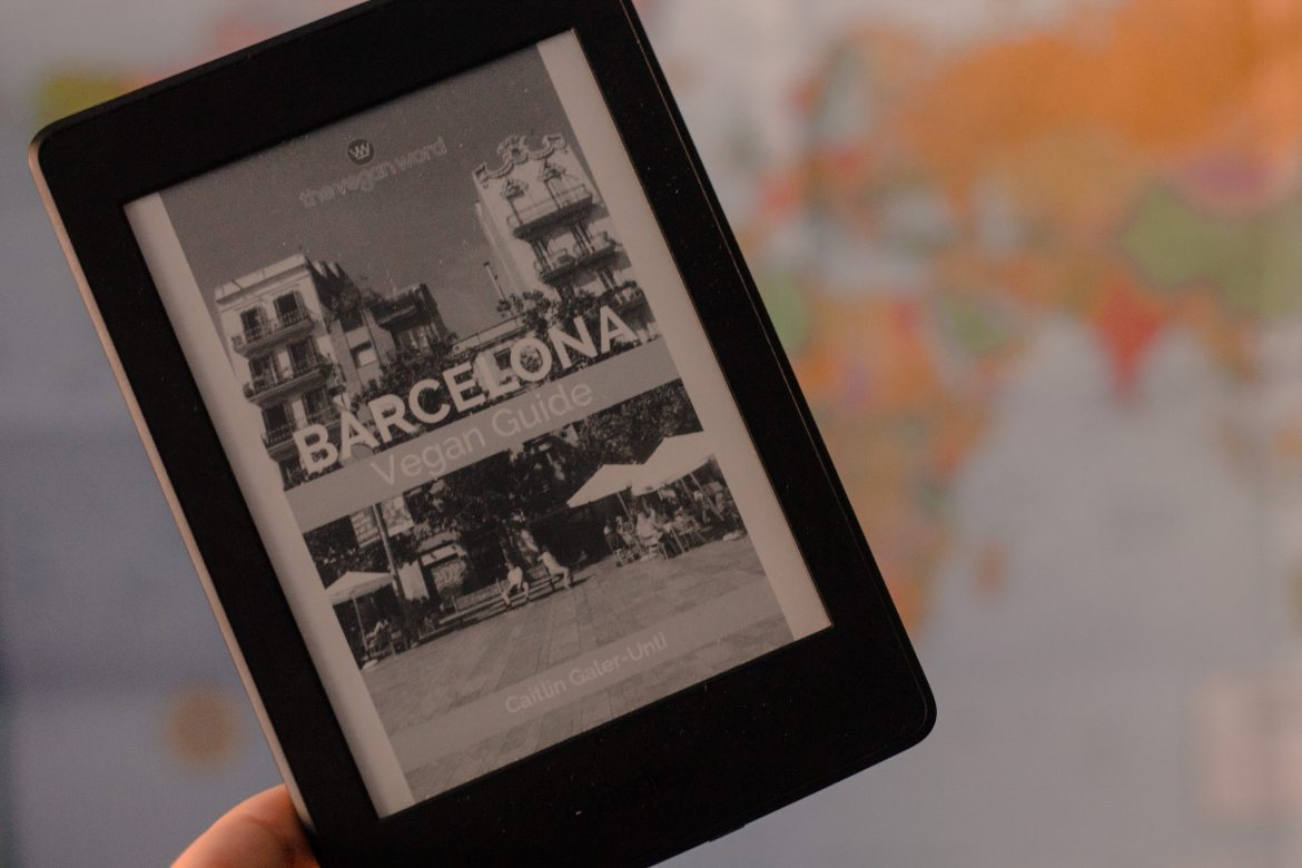 Eco-Friendly Travel Gear: Kindle Paperwhite: Barcelona Vegan Guide by The Vegan Word