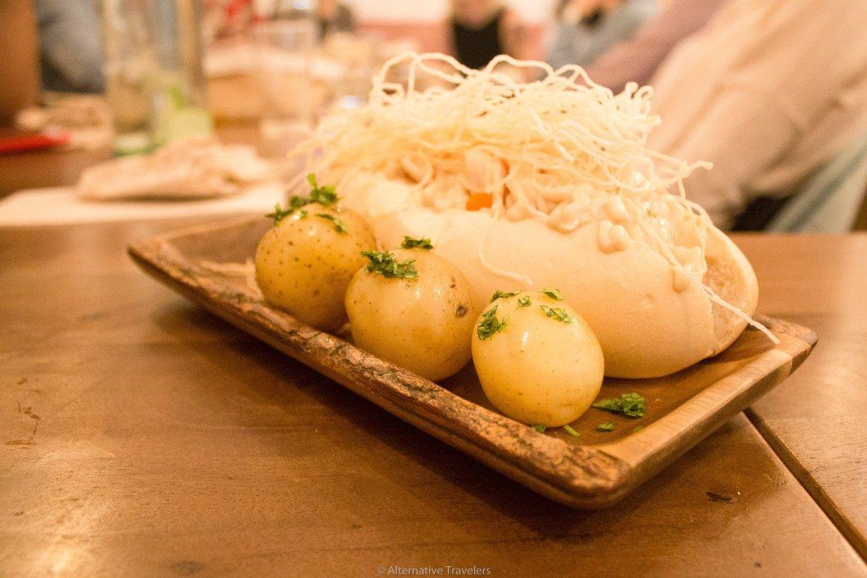 Asian style vegan hot dog at La Tia Carlota | AlternativeTravelers.com