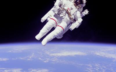 تأثير الجاذبية الممتد خارج كوكب الأرض  المصدر