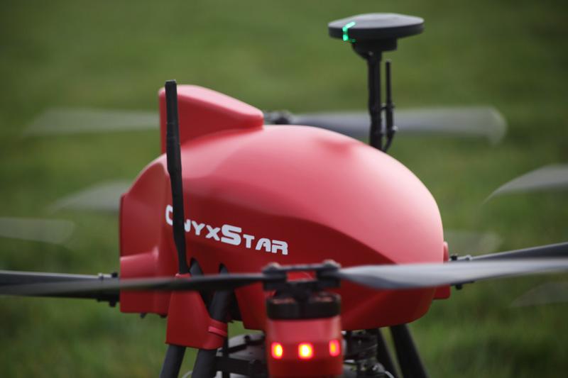 Drone professionnel compact et pliable