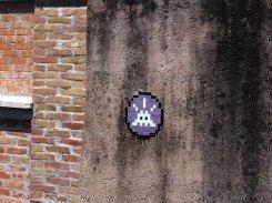 Mosaïque réalisée par le Street Artiste Invader à Rome - Street Art Italie