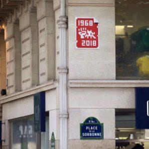 invader célébrant mai 68 place de la Sorbonne. Invaders