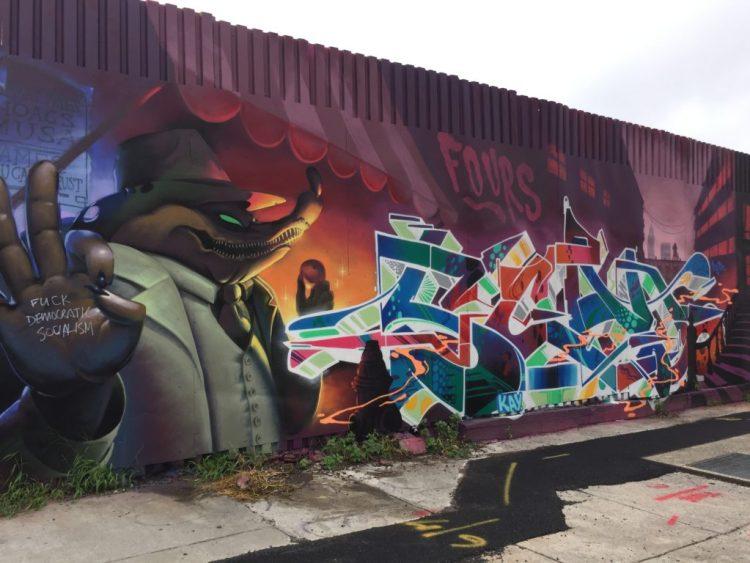 Fresque murale par Loomit & Kay