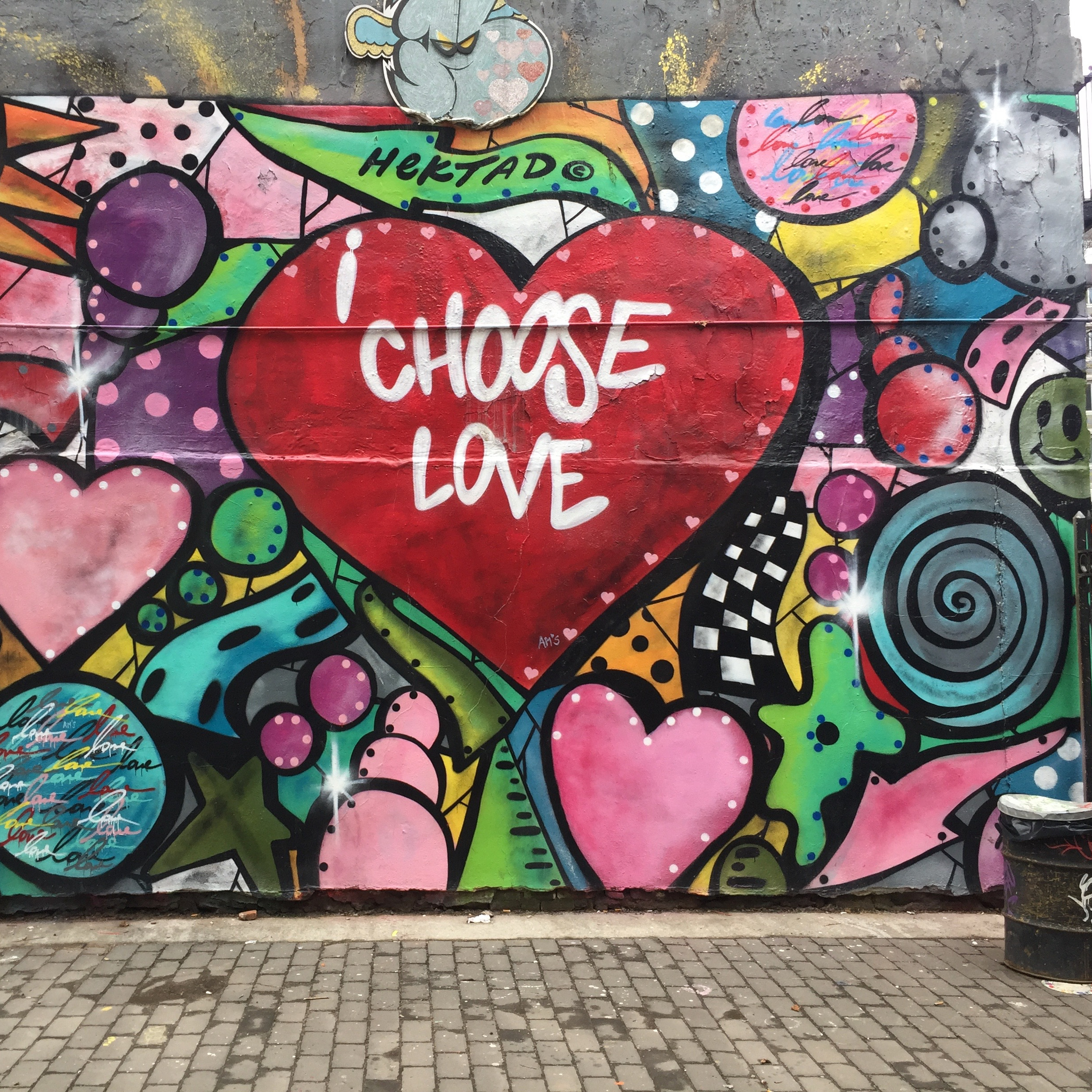 Choose Love par Hektad - Street Art New York - First Street Green Art PArk