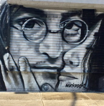 John Lennon & Yoko Ono par Jules Muck - Little Italy - Lisa Project - Street Art new York