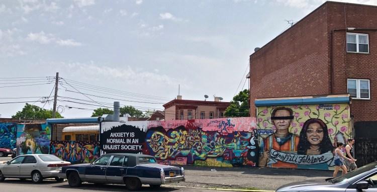 Le Welling Court Mural Project un des festival phare du Street Art à New York dans le Queens