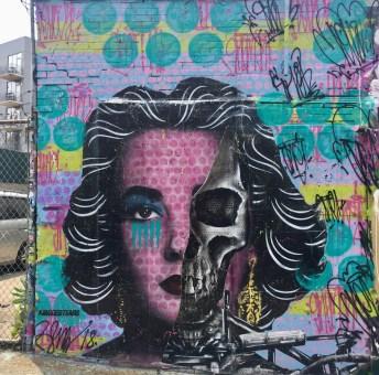 Oeuvre de Street Art dans le Queens représentant Elizabeth Taylor, réalisée par l'artiste Rene Gagnon