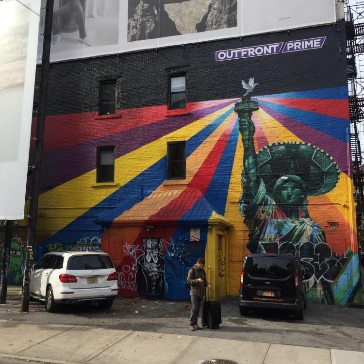 Fresque murale représentant la Statue de la Liberté avec un Sombrero. Réalisée à New-York par Eduardo Kobra - Blog Street Art Altinnov