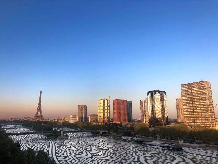 Vue de confinement de Paris retravaillée par par Jordan Saget - Vue de Paris - Street Art