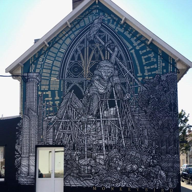 Fresque murale réalisée au pochoir par Monkey Bird Crew pour le Festival Street Art à Boulogne sur mer
