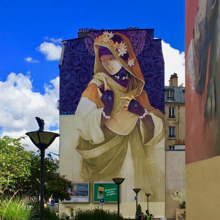 Boulevard Paris 13 - fresque murale illustrant une Madone laïque réalisée par l'artiste Chilien INTI Castro