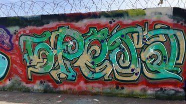 Graffitis Canal Saint Denis
